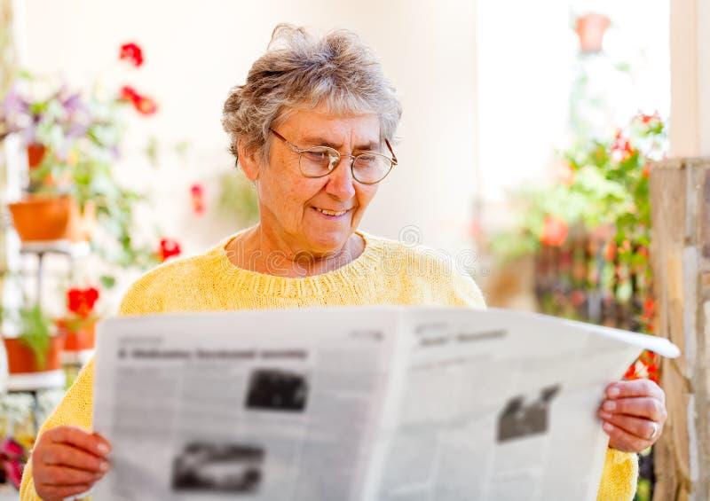 Äldre hem- omsorg royaltyfria bilder