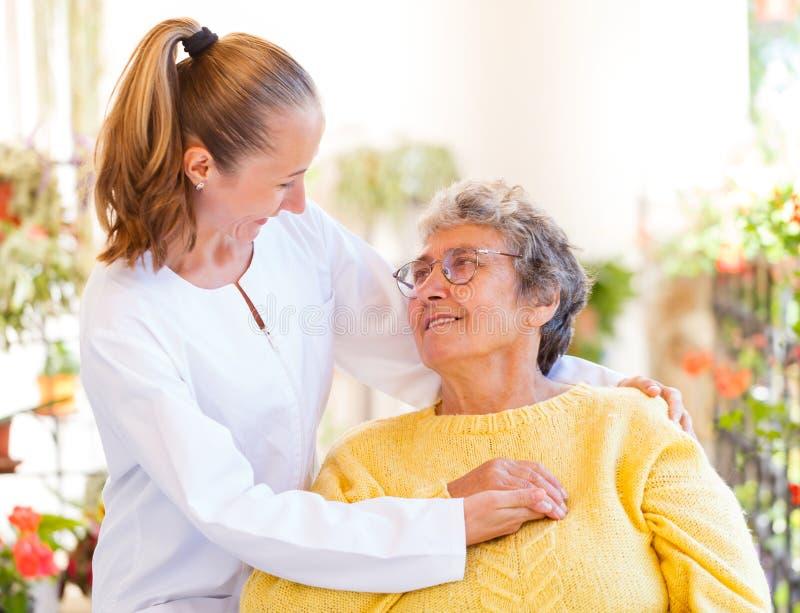 Äldre hem- omsorg royaltyfria foton
