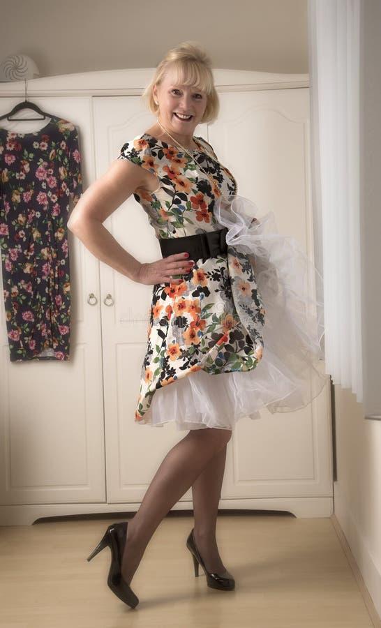 klänningar för äldre kvinnor