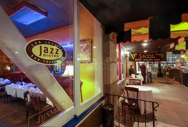 Äldst jazzklubba och kafé Les Joulins Jazz Bistro royaltyfria bilder