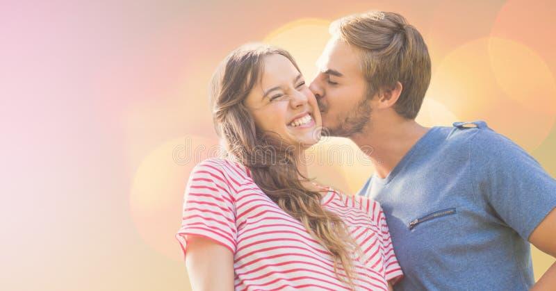 Älska den kyssande lyckliga kvinnan för man på solig dag stock illustrationer