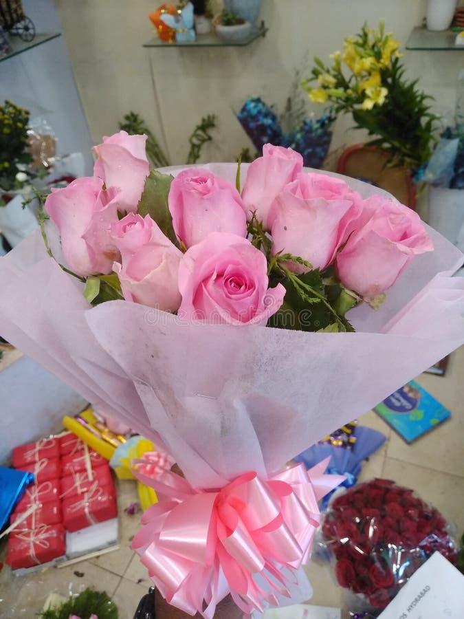 Älskling för bra morgon med min anda av min rosa bukett för hjärta för u fotografering för bildbyråer