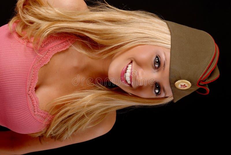 älskvärd blond flicka royaltyfri bild