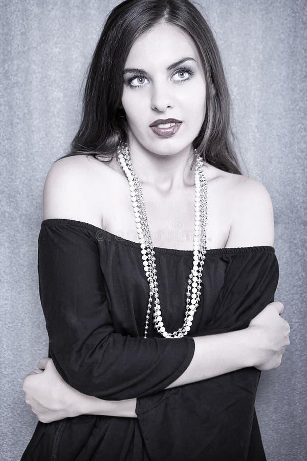 älskvärda pärlor för flicka fotografering för bildbyråer