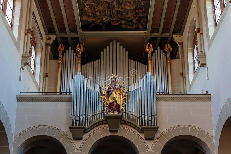 Älskvärt kyrkligt organ arkivfoto