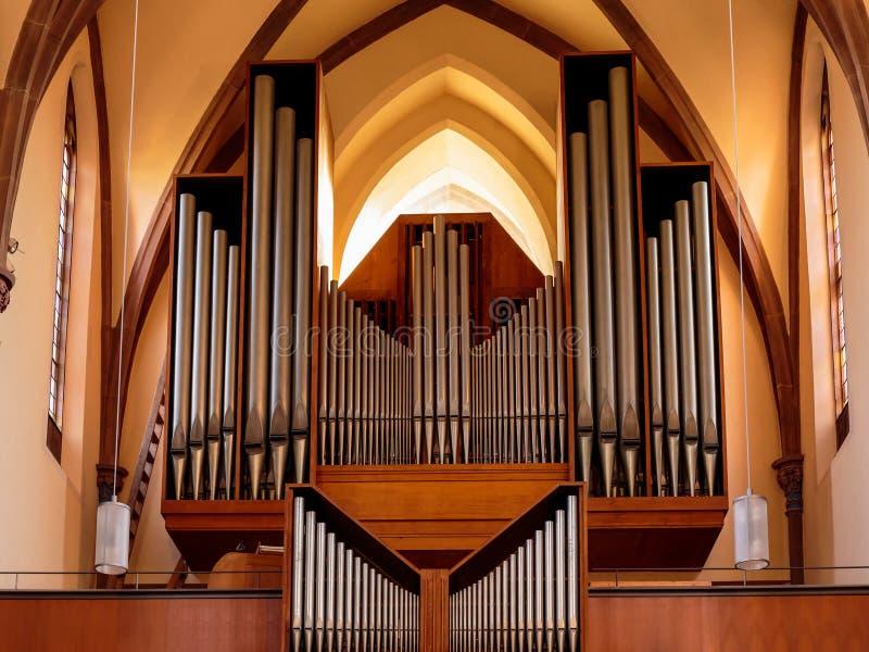 Älskvärt kyrkligt organ royaltyfri foto