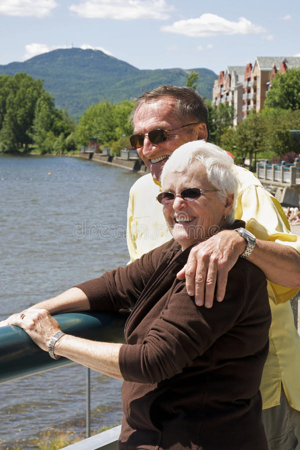 Ältere auf Ferien stockbilder