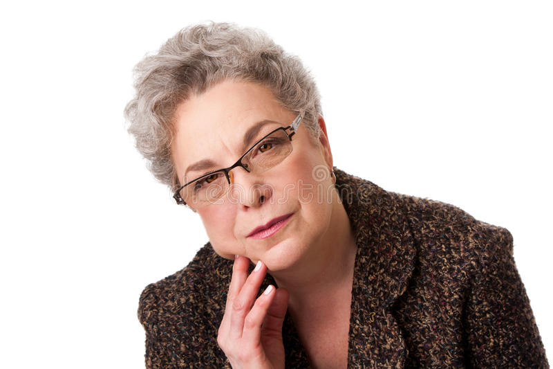 Ältere Frau, die an Zukunft denkt stockfoto