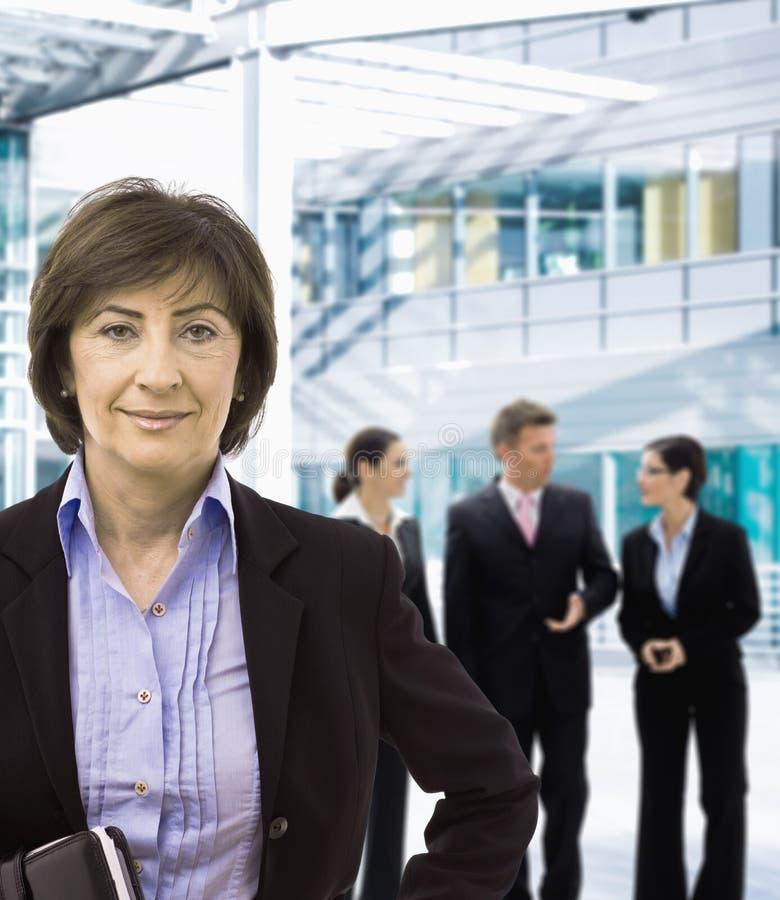 Ältere Geschäftsfrau stockbilder