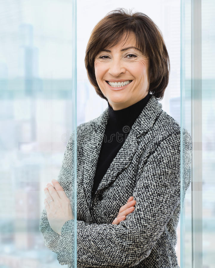 Ältere Geschäftsfrau lizenzfreies stockfoto