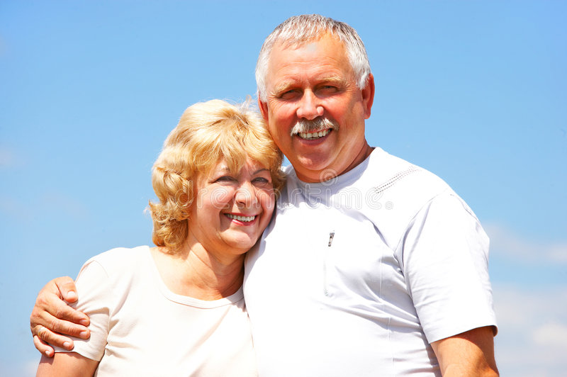 Ältere Paare in der Liebe lizenzfreie stockfotografie