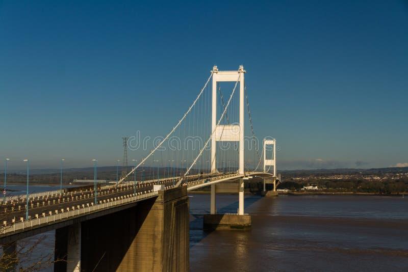 Ältere Severn Crossing, Hängebrücke, die Wales wi anschließt lizenzfreie stockfotos