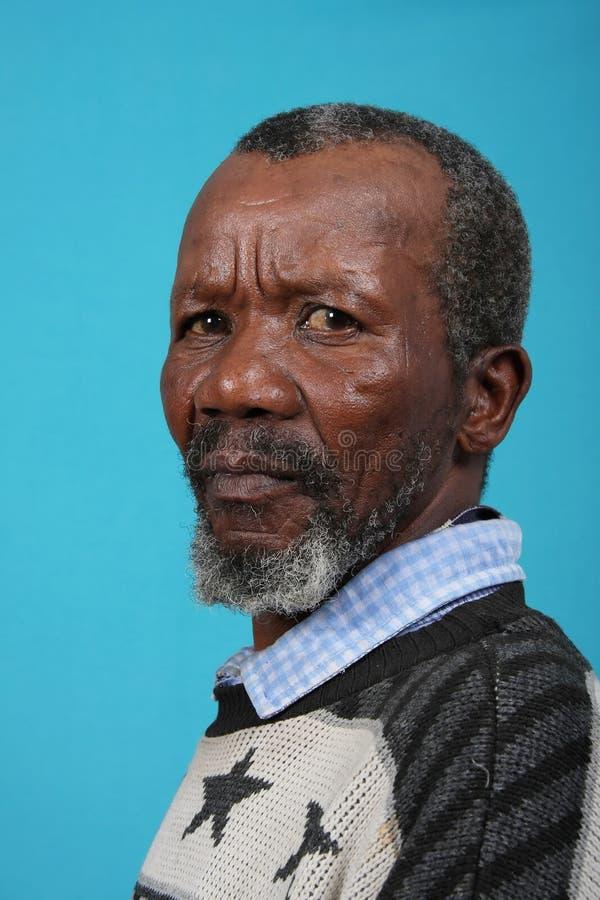 Älterer afrikanischer Mann lizenzfreie stockbilder