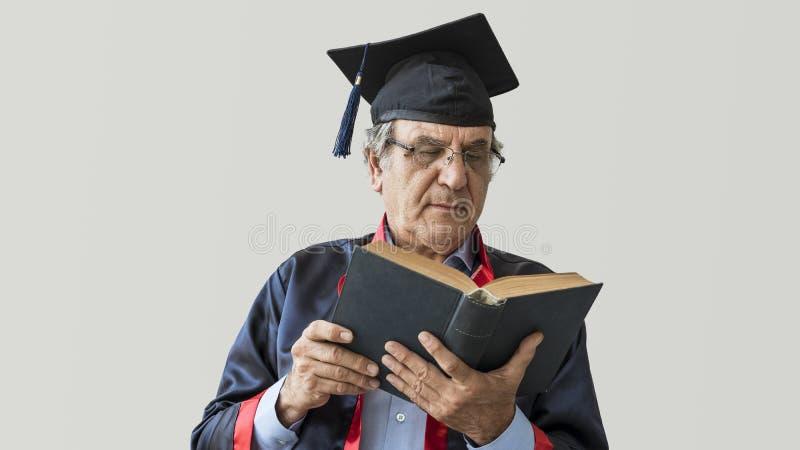 Älterer erwachsener Mann in der Kappe stockbilder