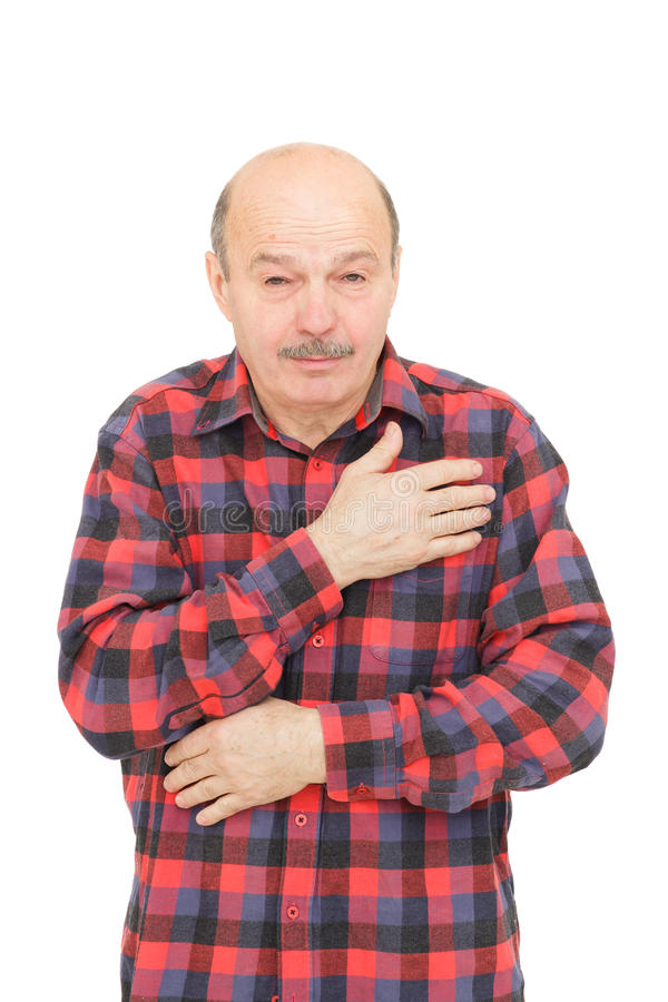 Älterer Mann ist von den Kälten oder von der Pneumonie krank stockfoto