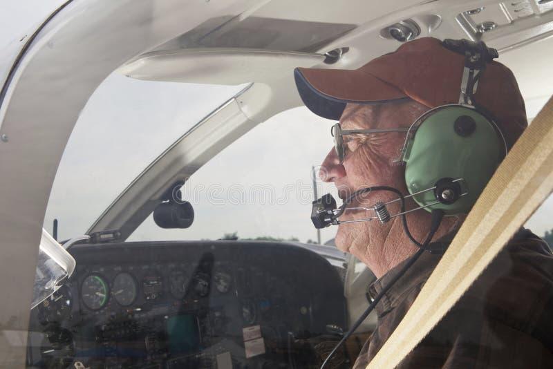 Älterer Pilot stockbilder