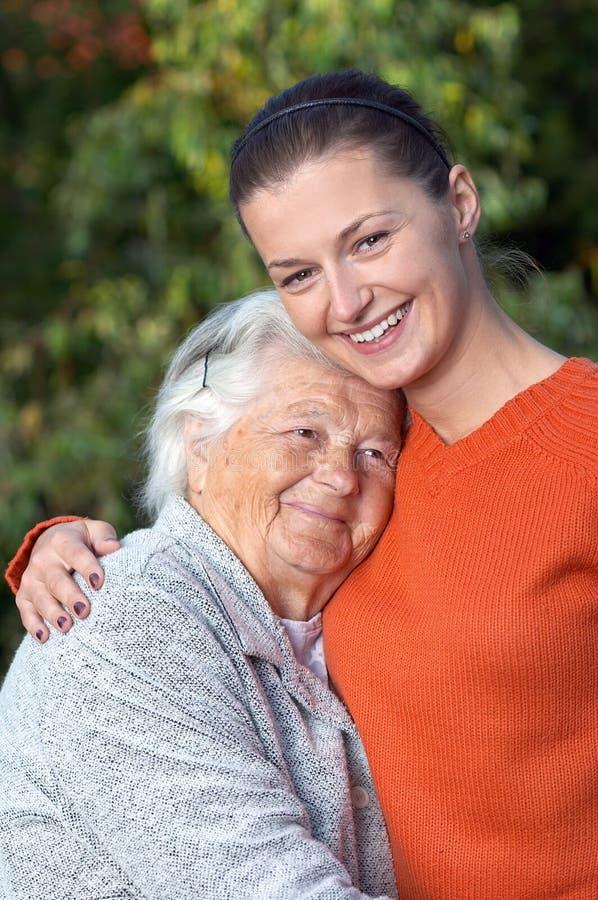 Älterer und Junge lizenzfreies stockfoto