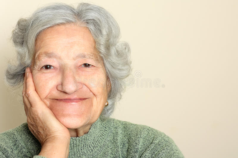 Älteres Dameportrait stockfoto