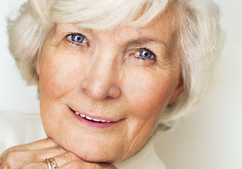 Älteres Frauenporträt stockfotos