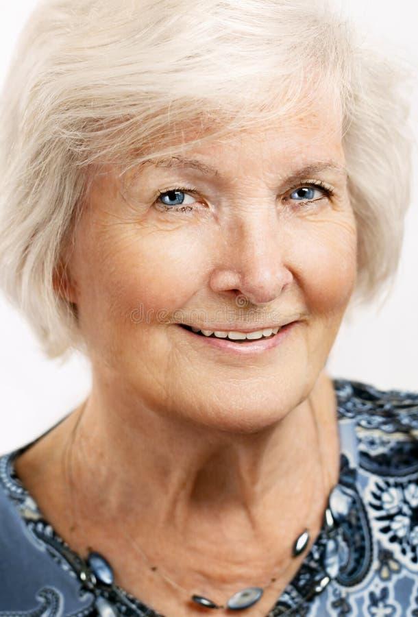 Älteres Frauenporträt lizenzfreies stockbild