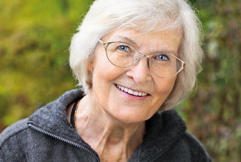 Älteres Frauenporträt stockbild
