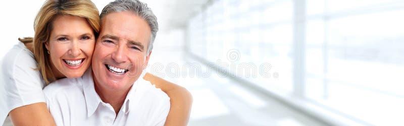 Älteres Paarlächeln lizenzfreies stockfoto
