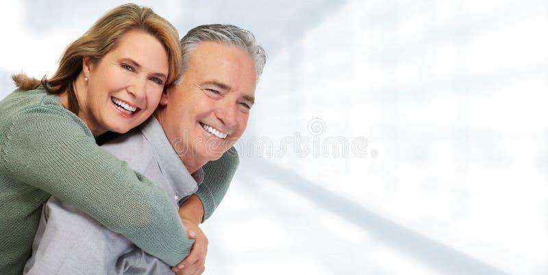 Älteres Paarlächeln lizenzfreie stockbilder