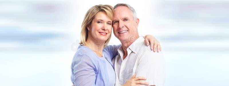 Älteres Paarlächeln lizenzfreie stockfotografie