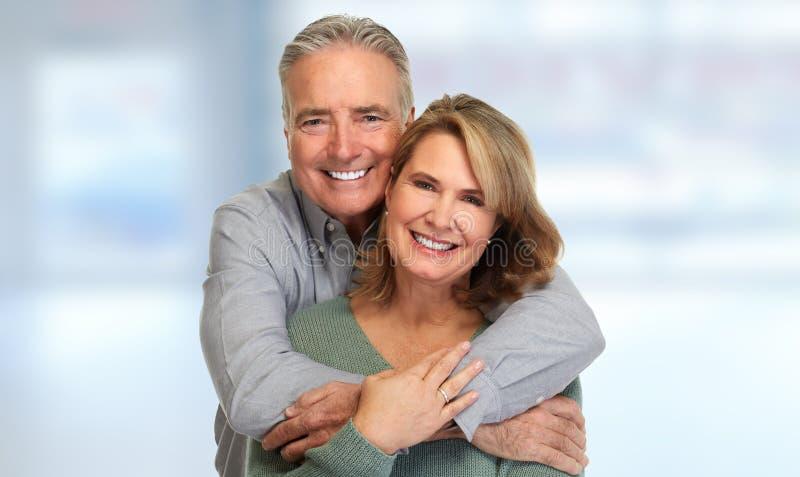 Älteres Paarlächeln stockfoto