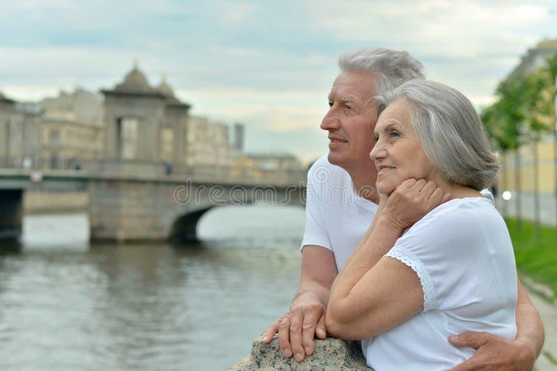 Älteres Paarreisen stockbilder