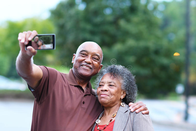 Älteres verheiratetes Paar lizenzfreie stockbilder