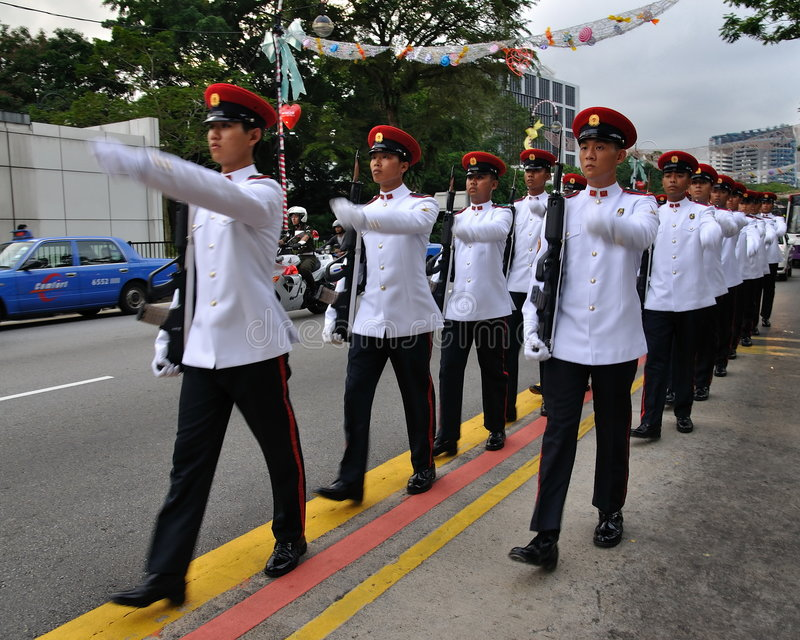 Ändern des Singapur-Präsident der Abdeckungparade lizenzfreie stockbilder