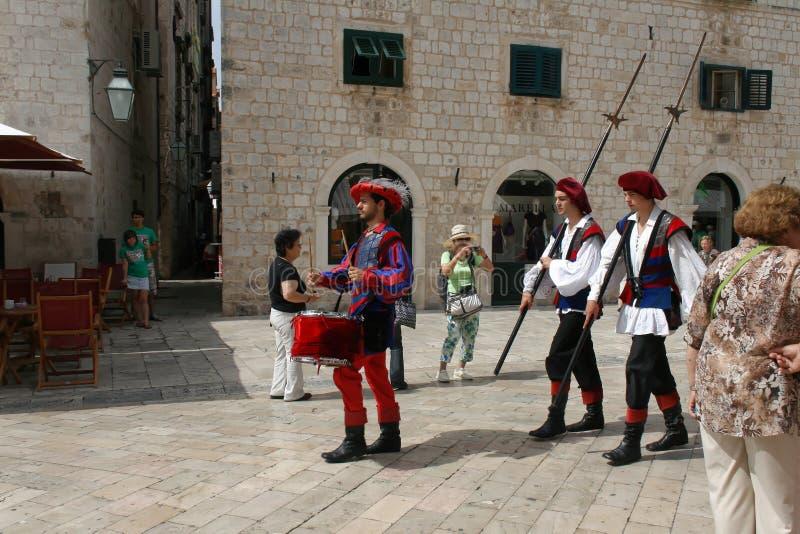 Änderung des Schutzes in Dubrovnik, Kroatien 2010 stockbild