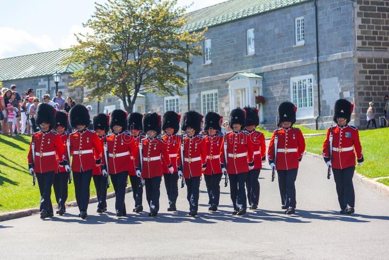 Ändra av vakten Ceremony på Citadelle i gamla Quebec royaltyfri foto