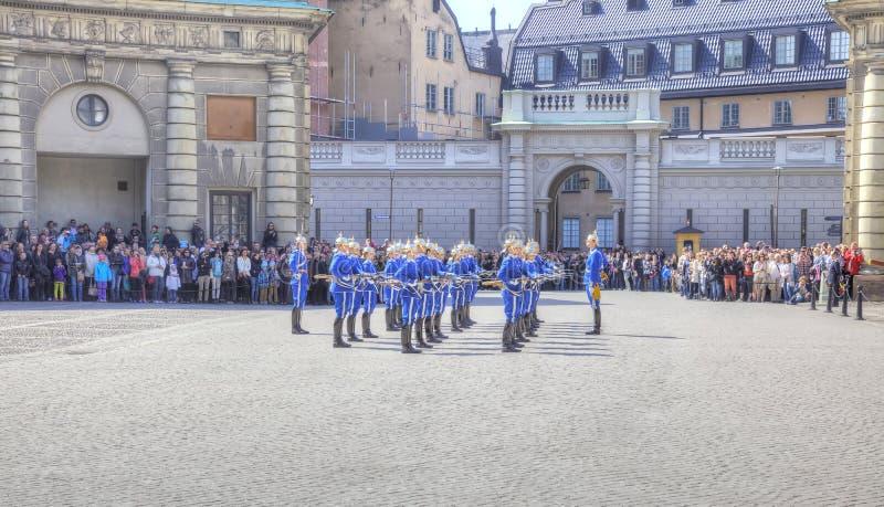 Ändra av vakten nära Royal Palace sweden stockholm arkivfoto