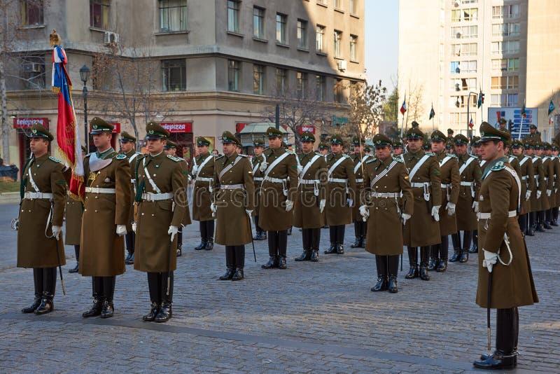 Ändra av vakten på La Moneda royaltyfri bild