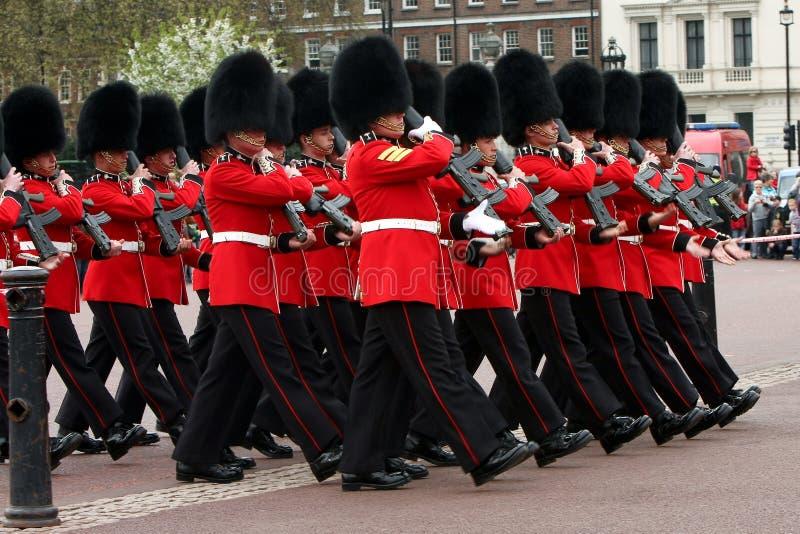 ändrande guards för ceremoni arkivbild