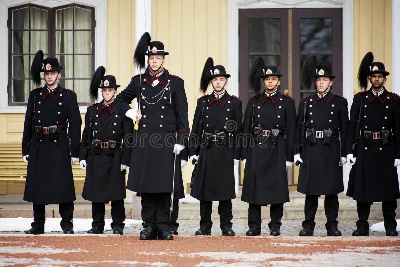 ändrande kunglig person för guardnorway oslo slott royaltyfri bild
