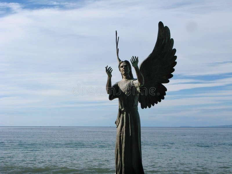 Ängel av hopp och budbärare av fred i Puerto Vallarta, Mexico fotografering för bildbyråer