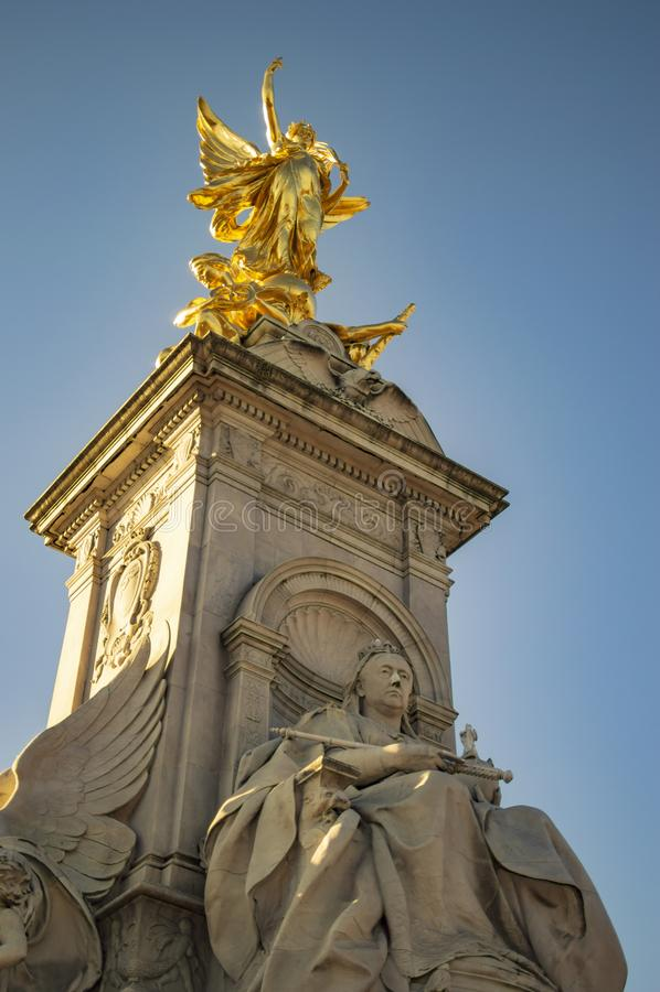?ngel av segerstatyn i london f?r Buckingham Palace fotografering för bildbyråer