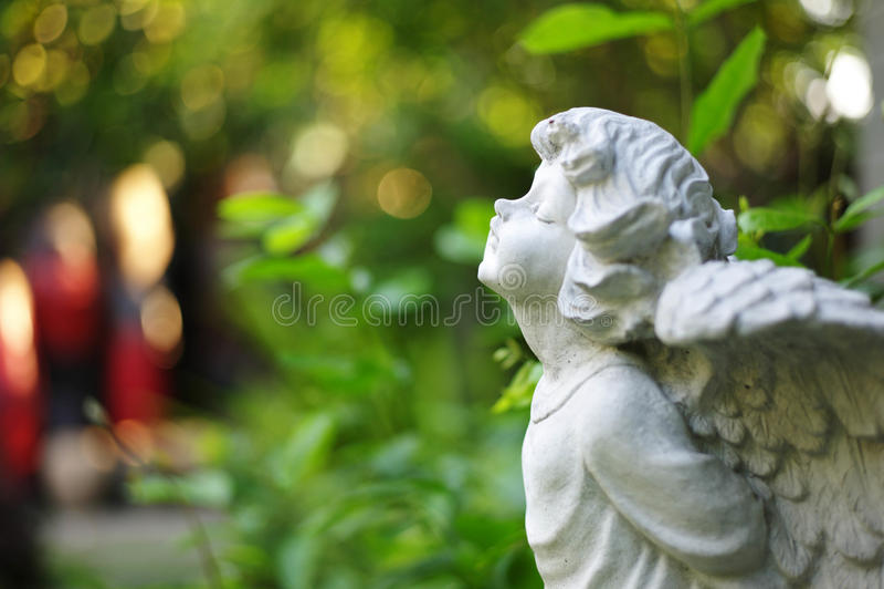 ängel little arkivfoto