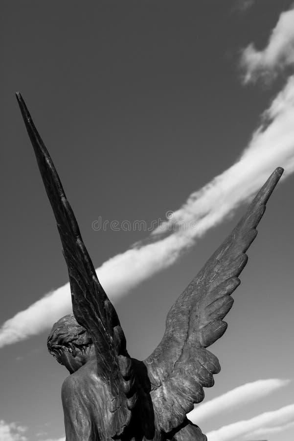 Ängeln påskyndar svartvita fotoklosterbrodersymboler royaltyfria foton