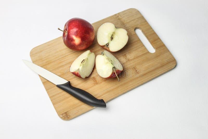 Äpfel auf einem weißen Hintergrund stockbild