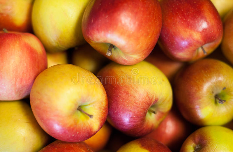 Äpfel für Verkauf stockbilder