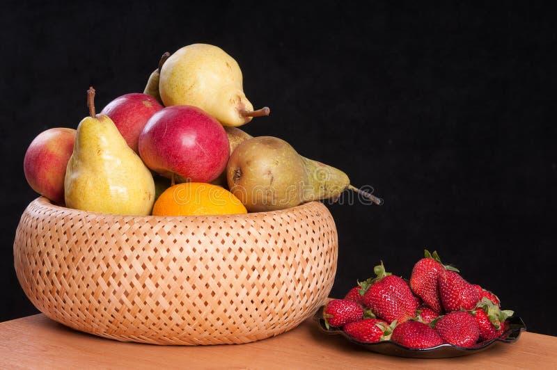 Äpfel und Birnen. stockfotografie