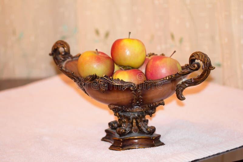 Äpplefrukter royaltyfria foton