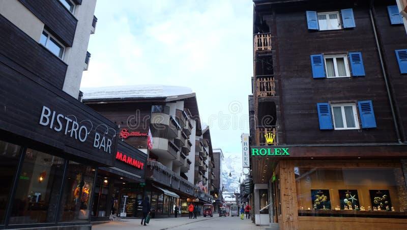 är 7th august boende 2010 kan den Europa hotellbilden schweiziska switzerland som tas deras till turismturister som det tradition arkivbilder