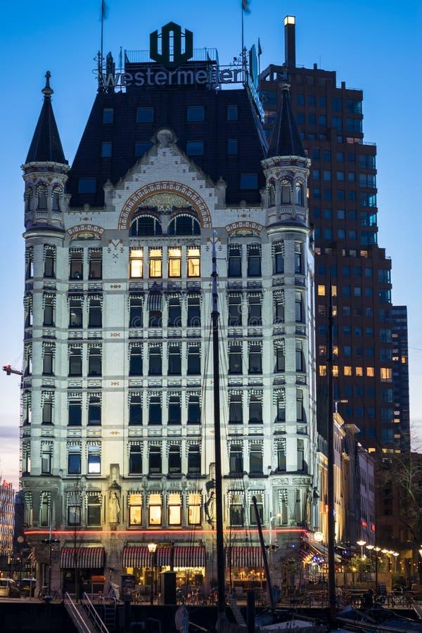 'Är Vita Huset för Het Witte Huis namnet av en byggnad i Rotterdam, Nederländerna arkivfoton