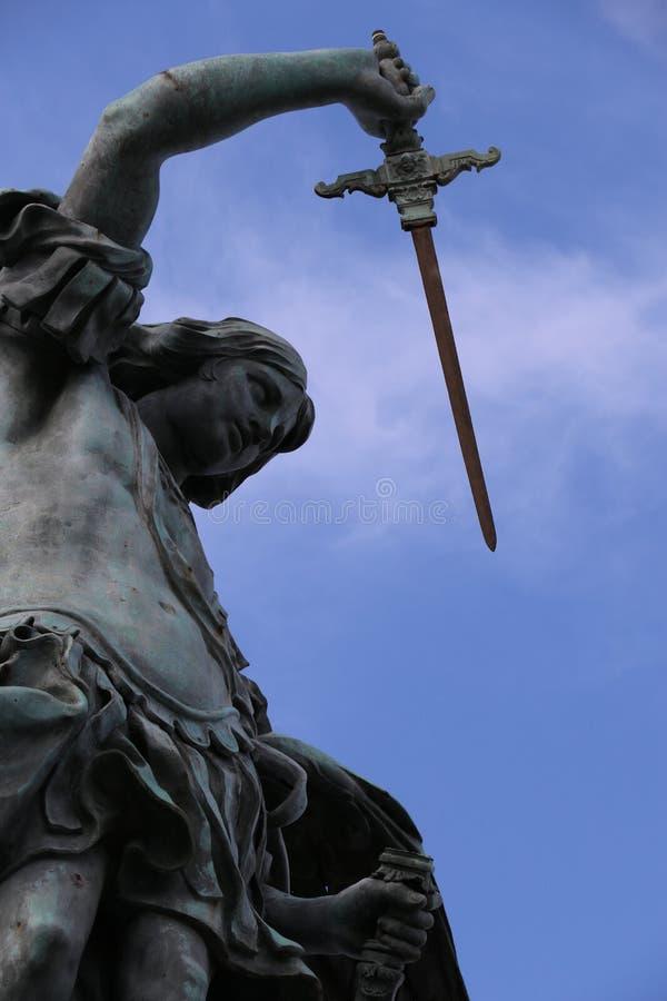 Download ärkeängel michael fotografering för bildbyråer. Bild av mausoleum - 76704159