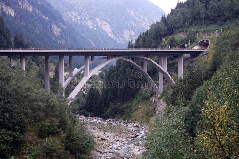 Ärke- bro royaltyfria foton